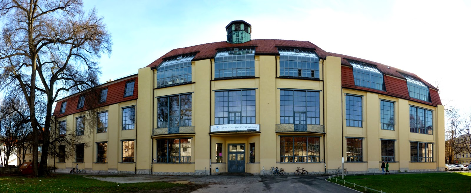 Arte abstracto bauhaus for Bauhaus berlin edificio