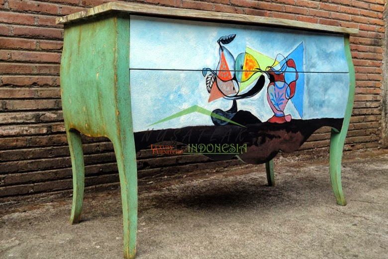 Stillo Hand Paintings Bombe Chest of Drawers