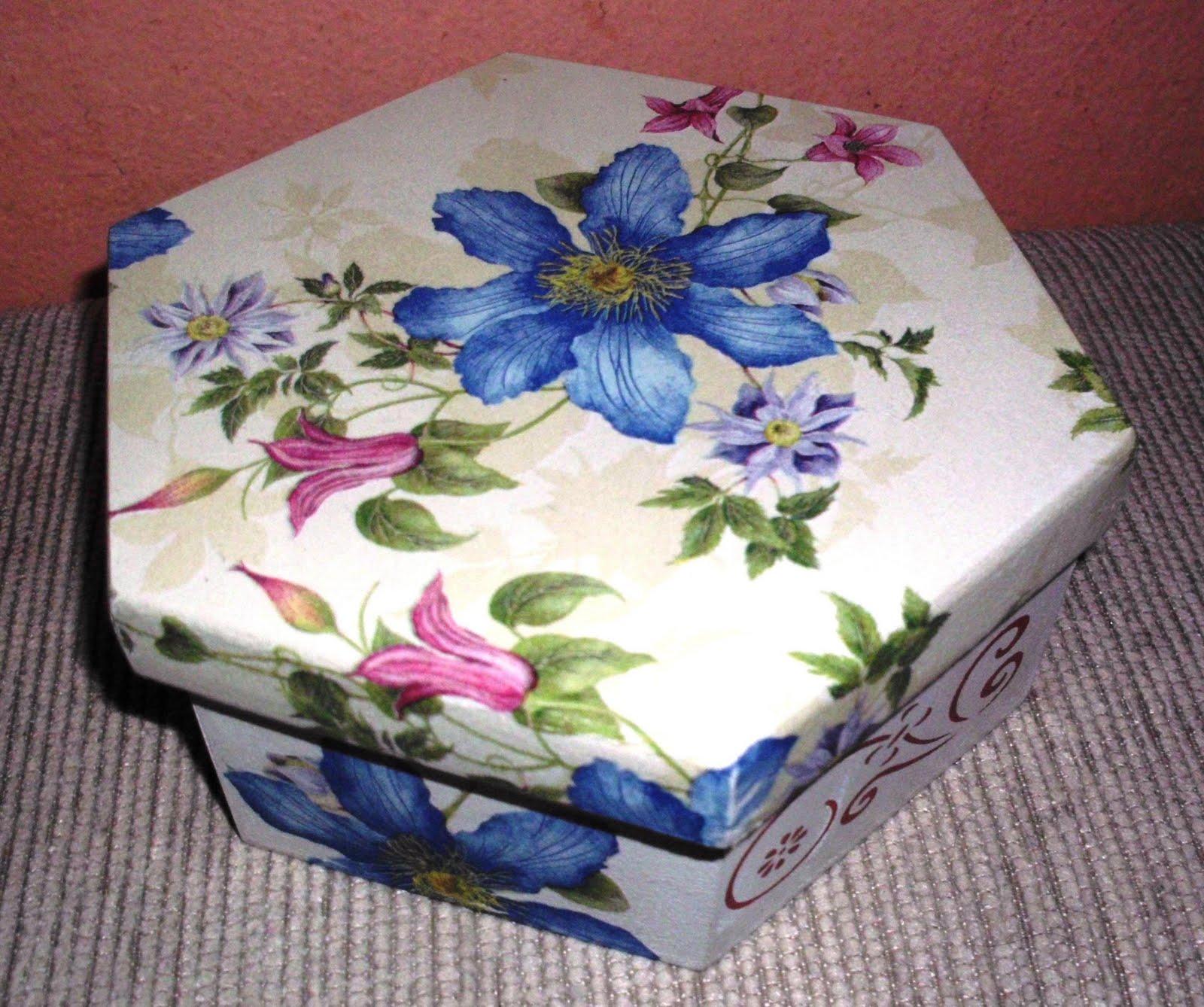 Ateliê Idéia é Arte: Caixa de MDF decorada com decoupage #2C3D77 1600x1338