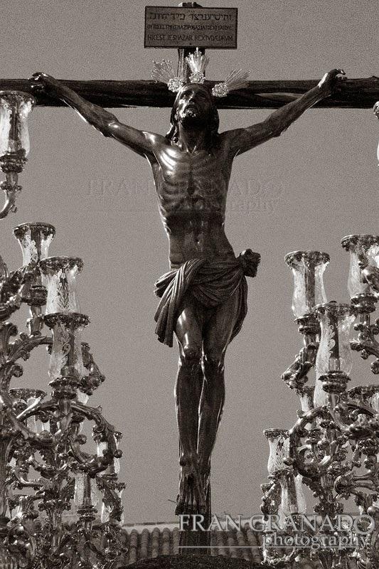 http://franciscogranadopatero35.blogspot.com/2014/06/200-anos-de-santa-cruz-con-el-cristo-de.html