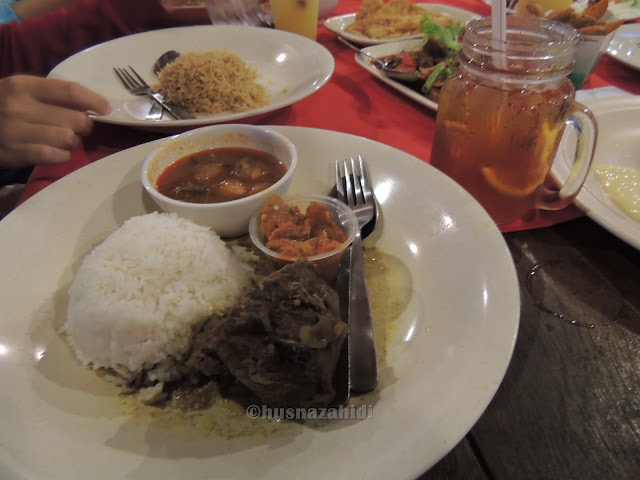 nasi beriani daging masak hitam, puncak mutiara cafe