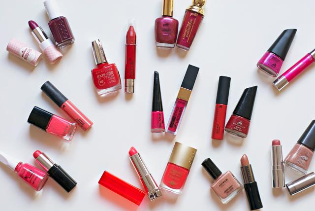 matching nail polish lipstick