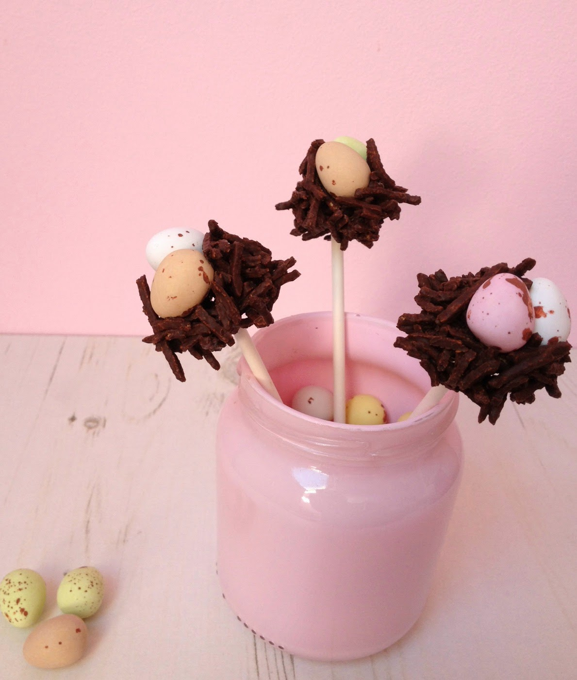 How to make simple Easter nest egg cake pops