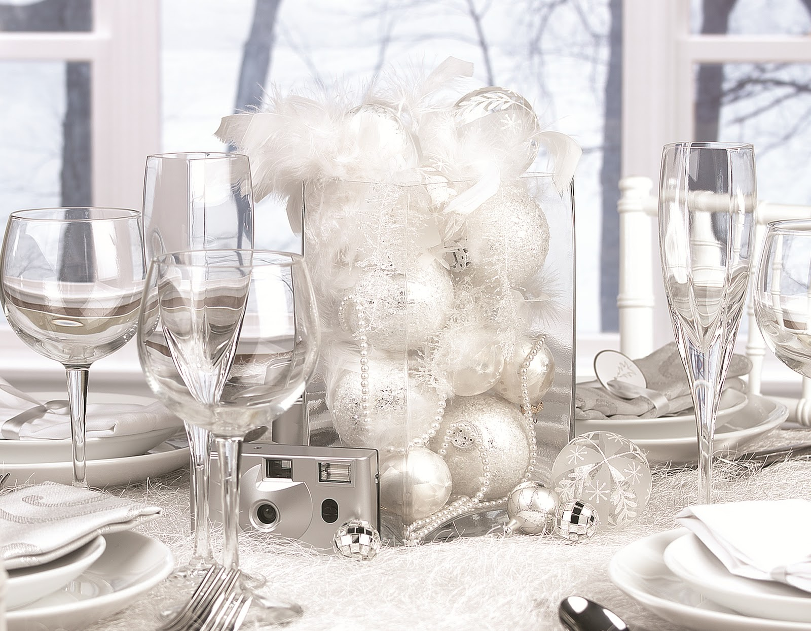 silver and white christmas table decorations photo20 - Silver Christmas Table Decorations