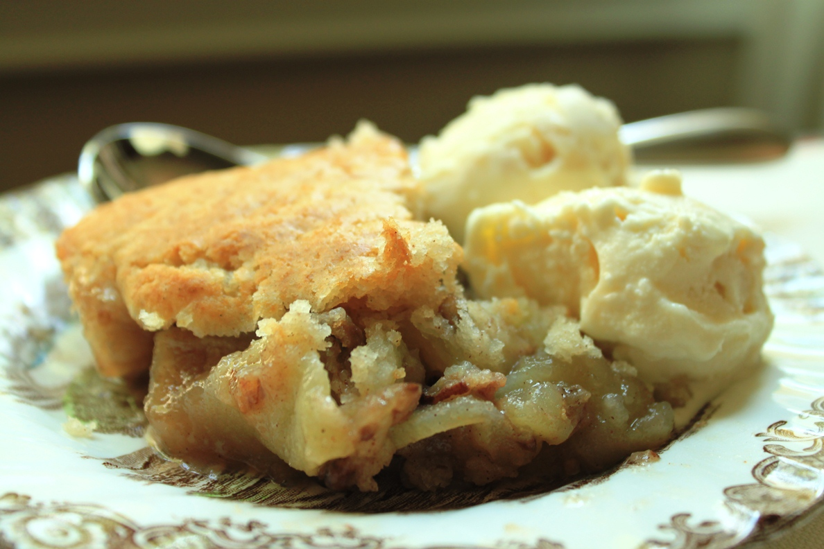 Teaspoon and A Pinch: Apple Pecan Cobbler