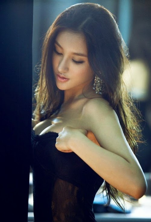 Liu Yuqi sexy