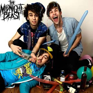The Midnight Beast – I Kicked A Shark In The Face Lyrics | Letras | Lirik | Tekst | Text | Testo | Paroles - Source: musicjuzz.blogspot.com