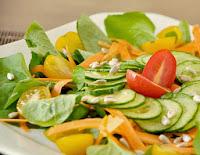 Salada de Agrião, Cenoura e Pepino (vegana)