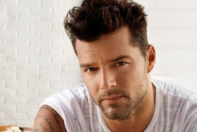 RICKY MARTIN PROFILE, WALLPAPER, BIOGRAPHY, GALLERY & STATUS UPDATES
