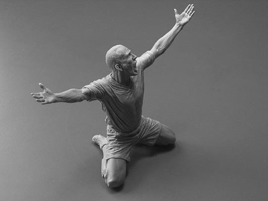 As esculturas humanamente realistas de Adam Beane - 03
