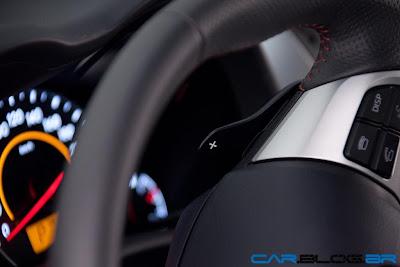 Toyota Corolla 2013 - seletor de marchas no volante