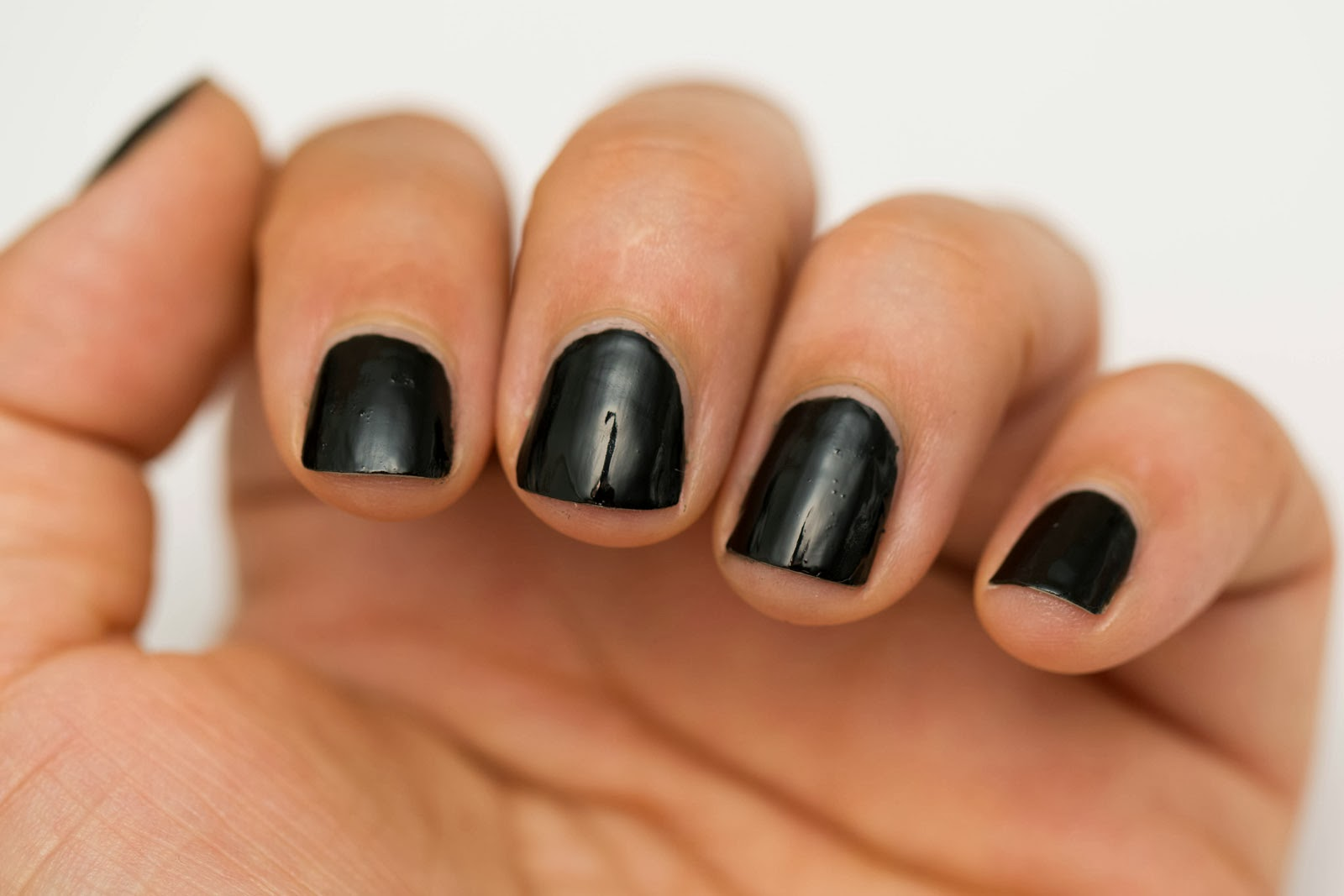 Beauty by arielle quick and easy halloween nail art for short nails quick and easy halloween nail art for short nails prinsesfo Image collections