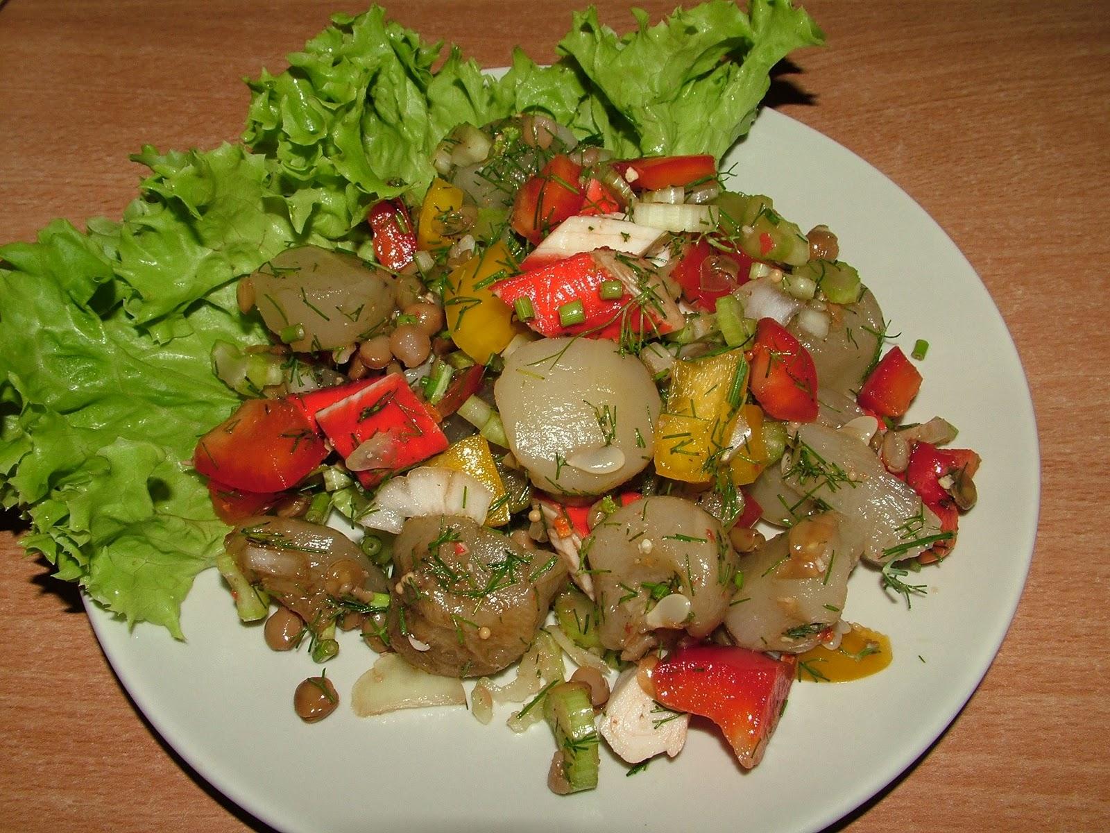 Sałatka z surimi i soczewicą