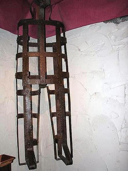 कॉफिन टार्चर (Coffin Torture)