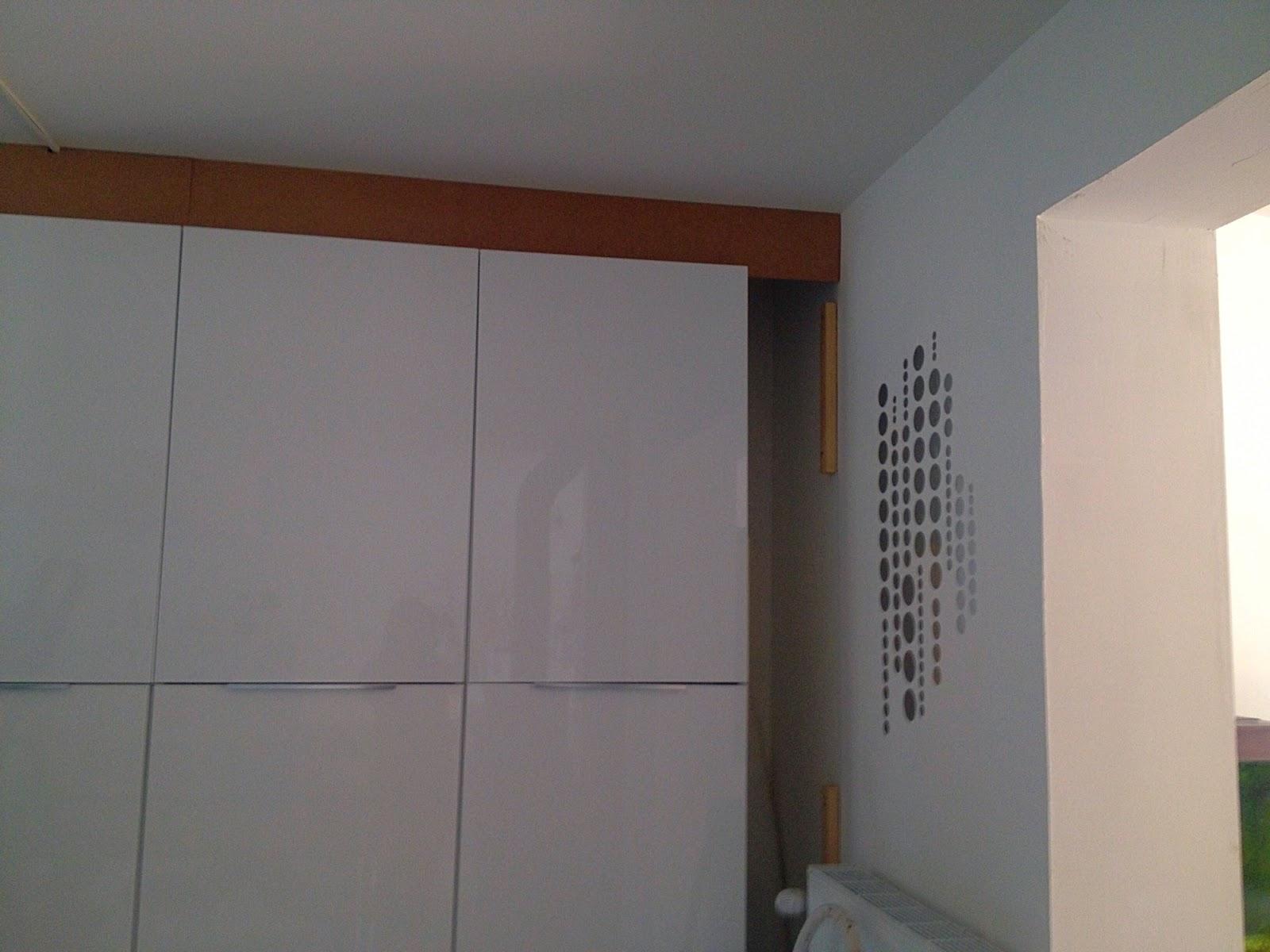 Dressing sous pente avec rideaux et autres d co for Cuisine pan de mur
