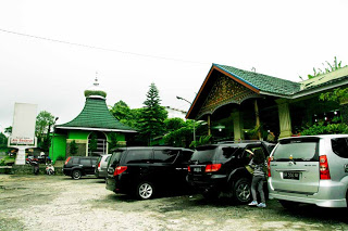 Rumah makan Aie Badarun Padang panjang-menyajikan menu khas minangkabau