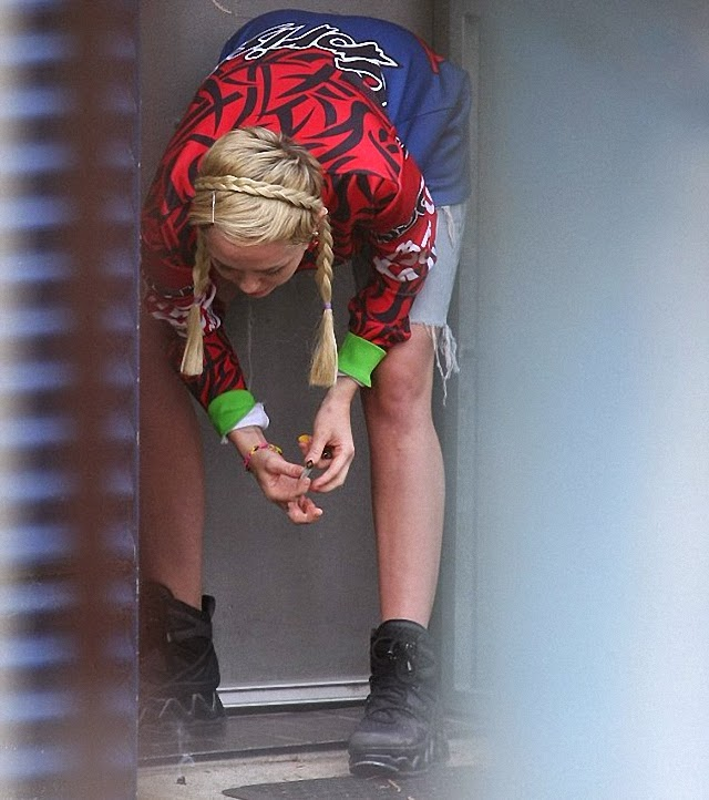 Miley Cyrus quiere seguir fumando