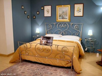 Imbiancare casa idee colori e abbinamenti per imbiancare le pareti di casa - Camera da letto marrone ...