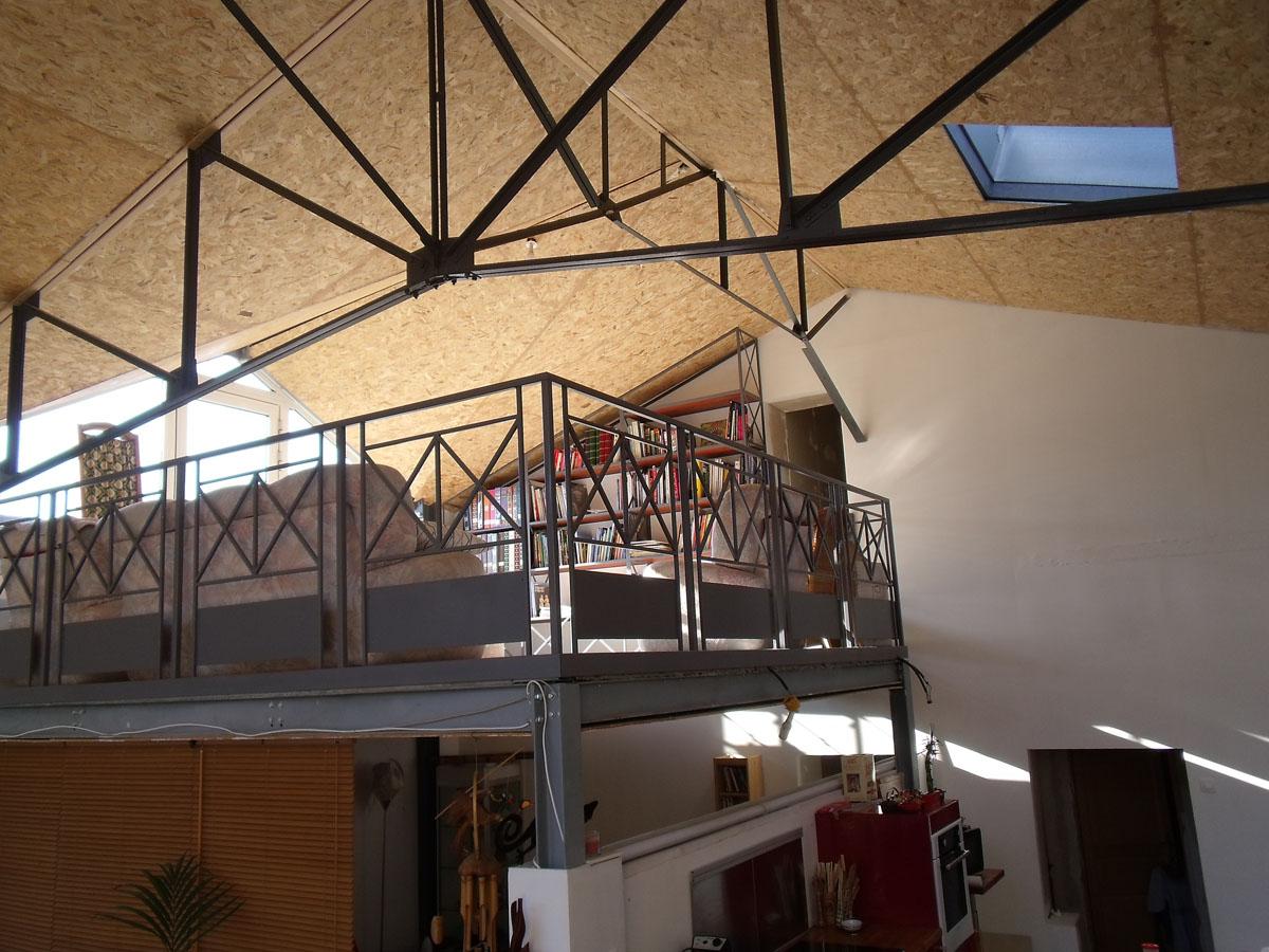 blog de la maison de l 39 imaginarium l 39 ambiance factory 100 sur mesure biblioth que sous pente. Black Bedroom Furniture Sets. Home Design Ideas