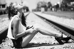 Quizás la clave para ser realmente feliz sea reír cuando puedas, llorar cuando lo necesites.