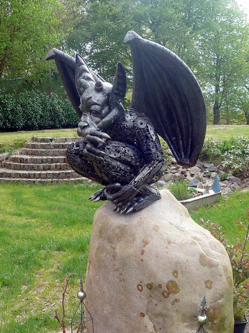 2a-Fantasy-Sculpture-Gargoyle-Giganten-Aus-Stahl