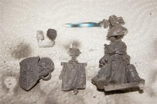 Imprimación con la espada pintada de Lord Kaldor Draigo