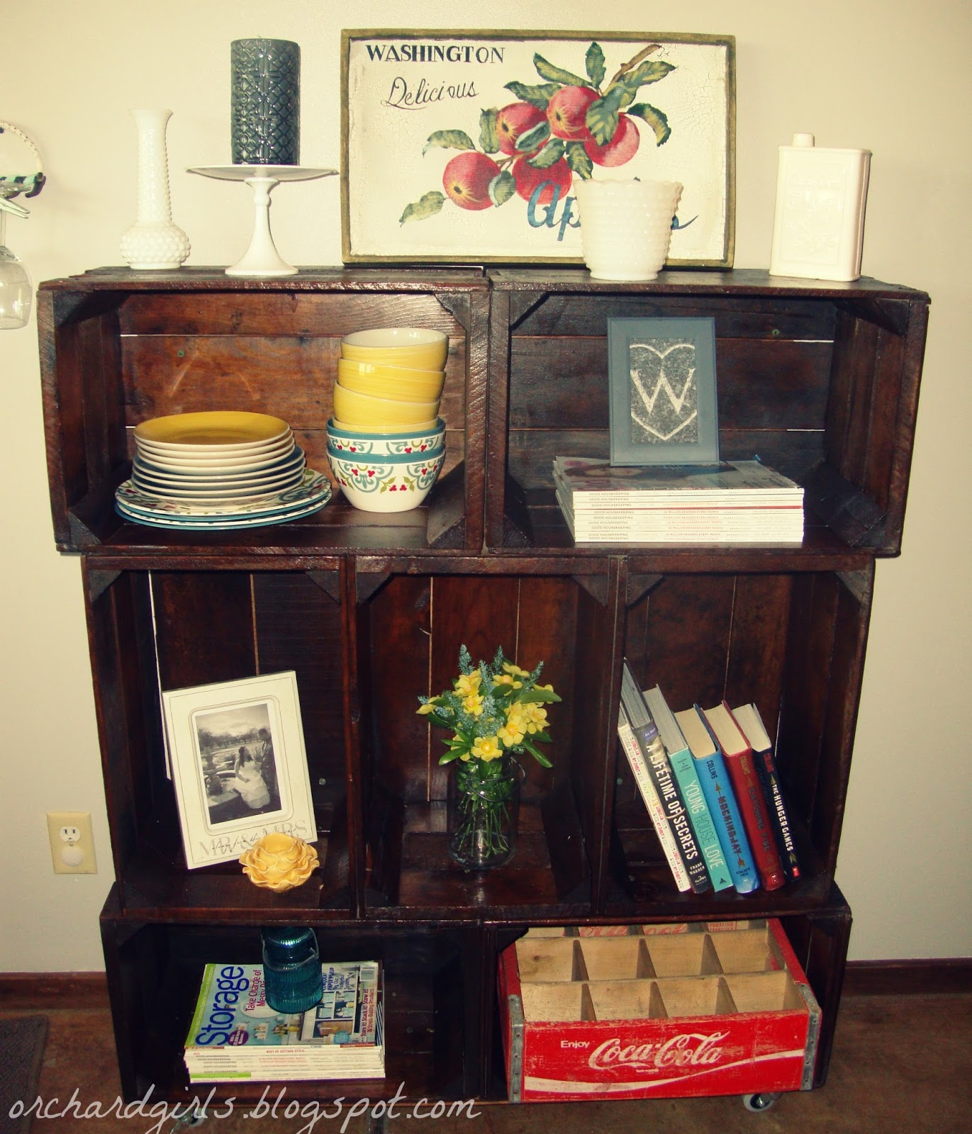 orchard girls diy apple crate bookshelf reveal