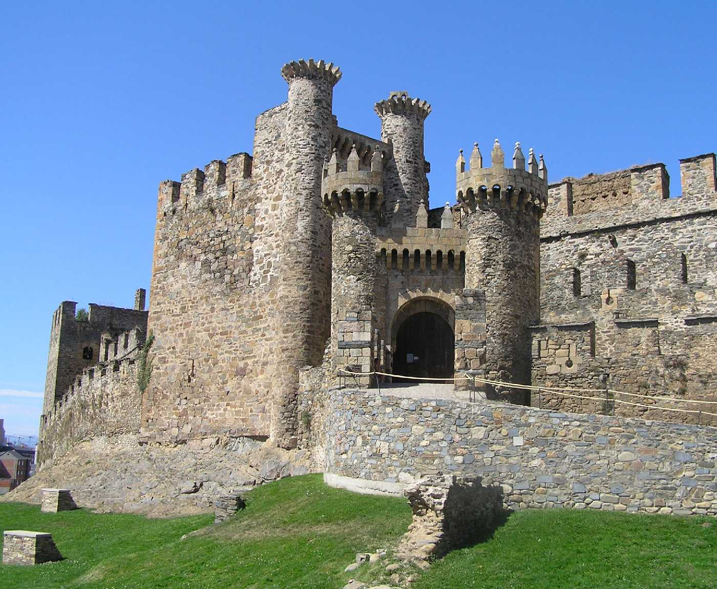 Ponferrada Spain  city photos gallery : Europa: De Lisboa a Vladivostok: Castillo de Ponferrada