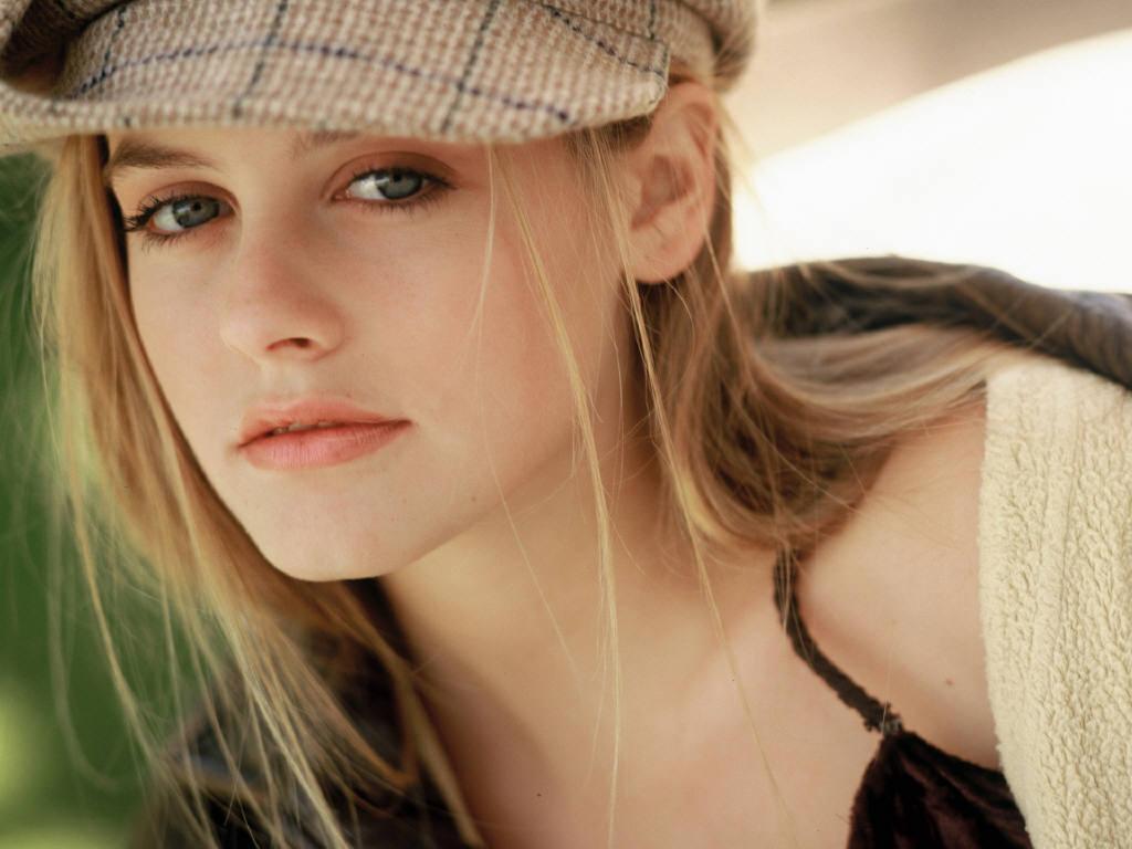 http://4.bp.blogspot.com/-hR8z9gPgV6M/TkfTjqREIgI/AAAAAAAABy4/b7VRePKLFkA/s1600/Alicia+Silverstone+%252819%2529.jpg