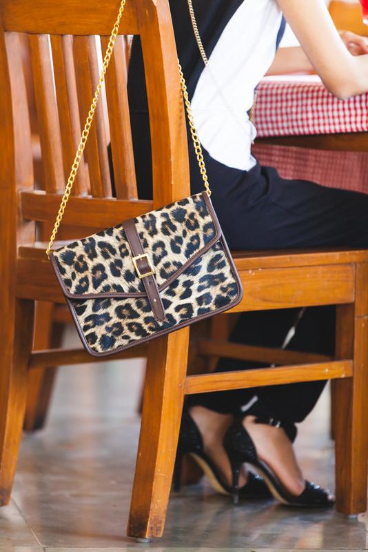 stalkbuy love black and white jumpsuit, styling a jumpsuit, indian fashion blog, best indian fashion blog, the girl at first avenue fashion blog, top mumbai fashion blog, stalkbuylove animal print sling bag
