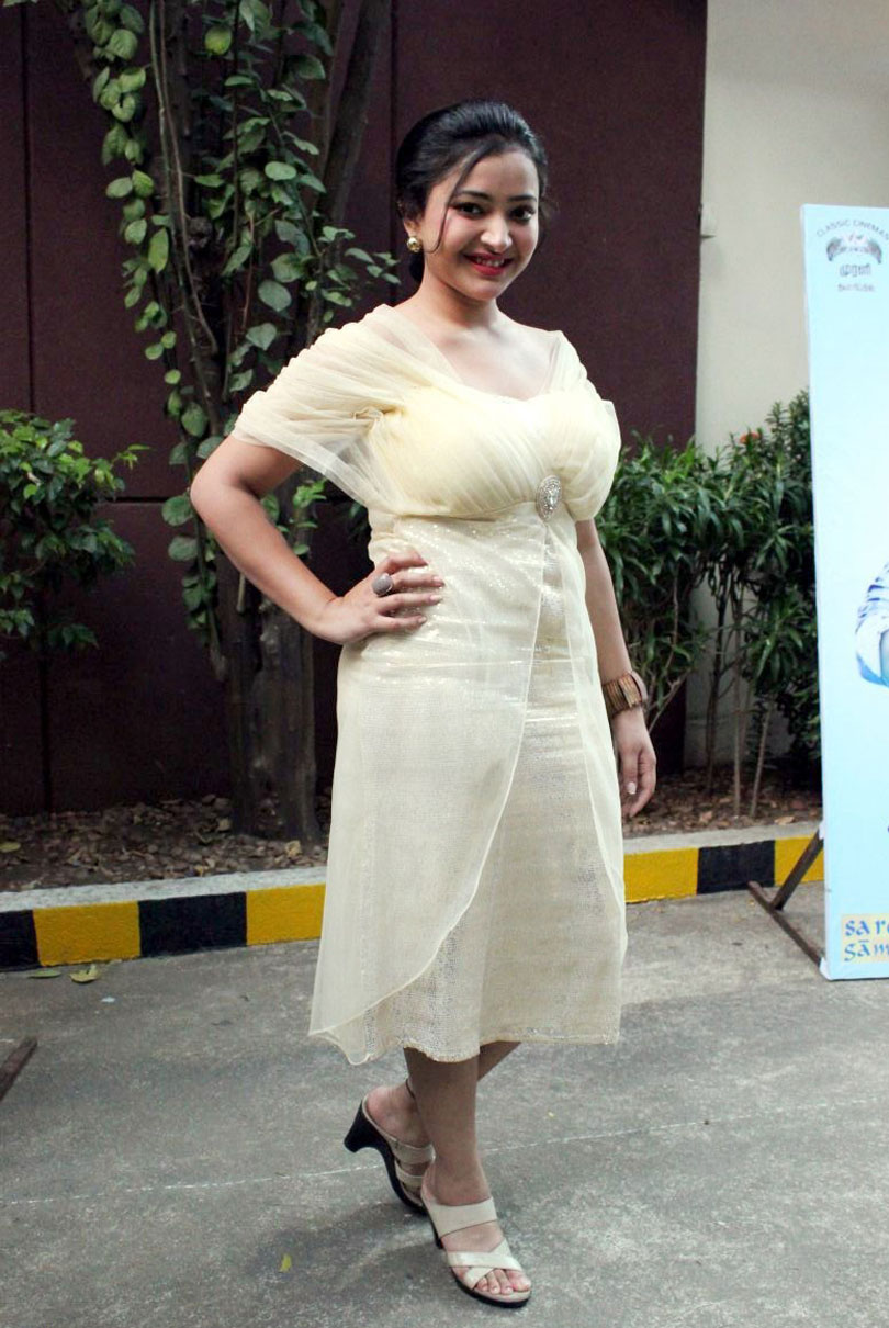 Swetha Basu latest Hot6