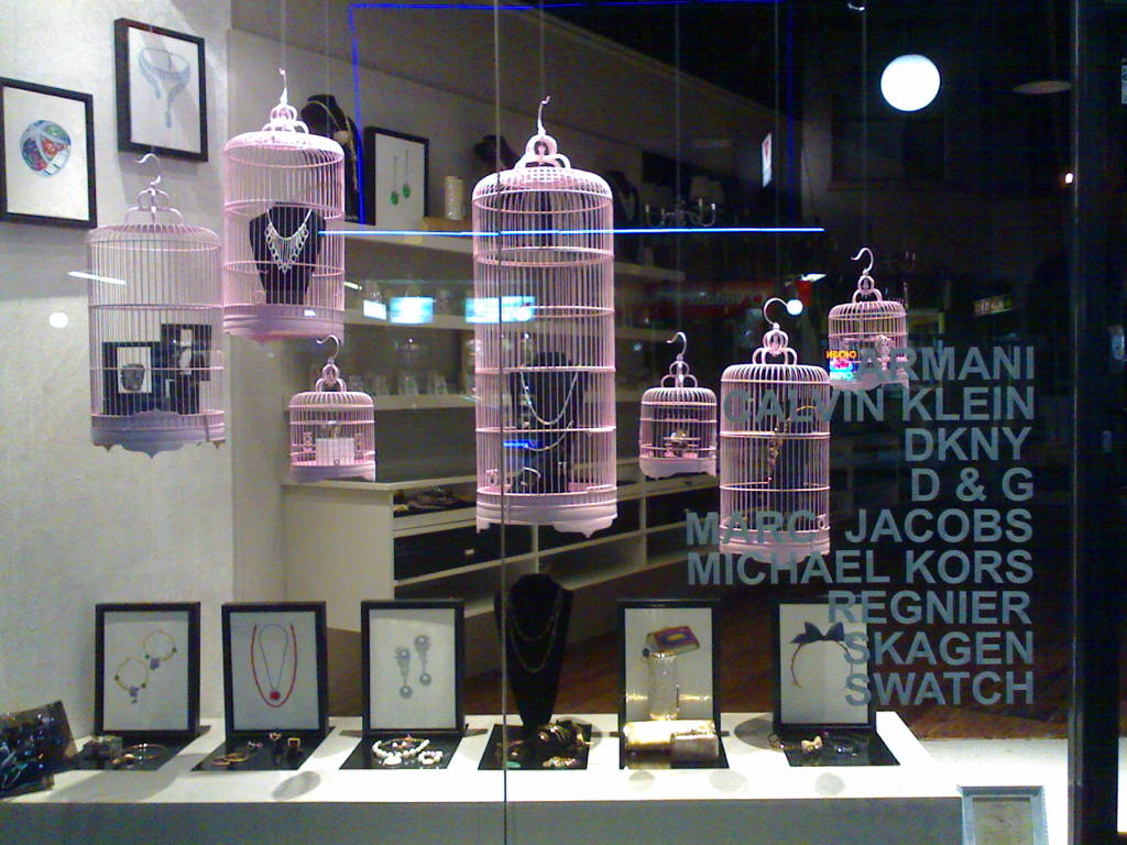 Visual merchandising jewellery display for Show window designs