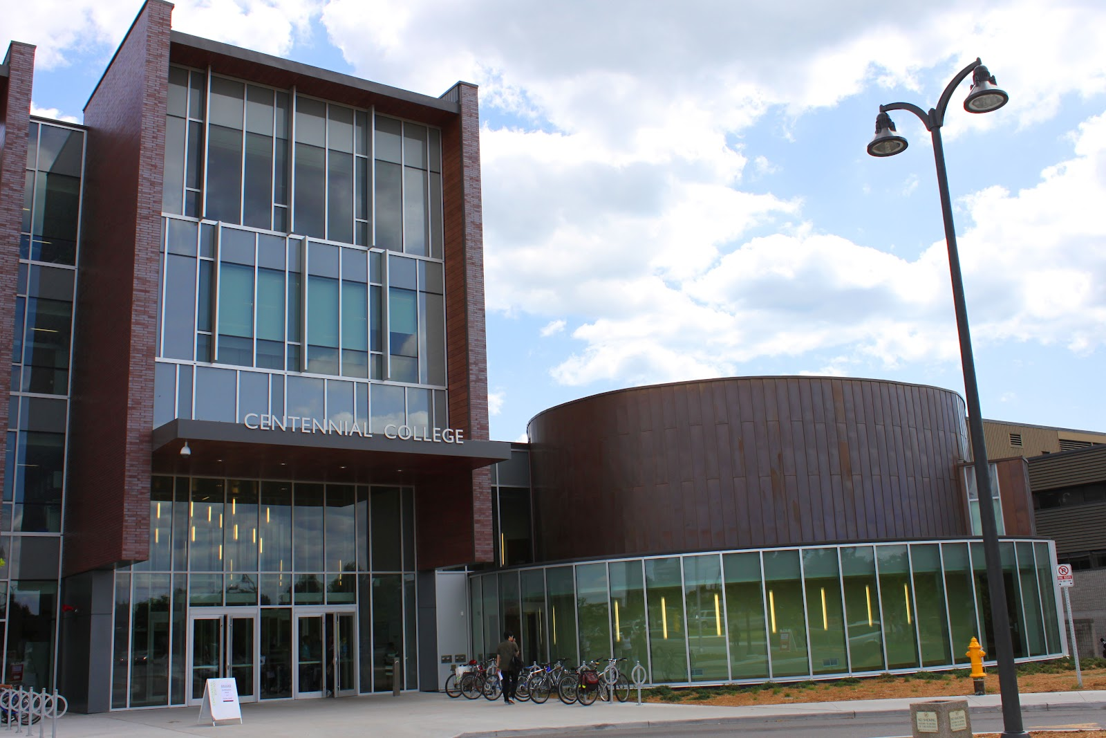 ontario universities creative writing programs The university of guelph creative writing mfa offers workshops in fiction, creative nonfiction, drama and poetry.