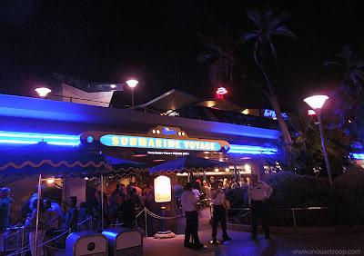 Finding Nemo Submarine Voyage Disneyland Subs Monorail