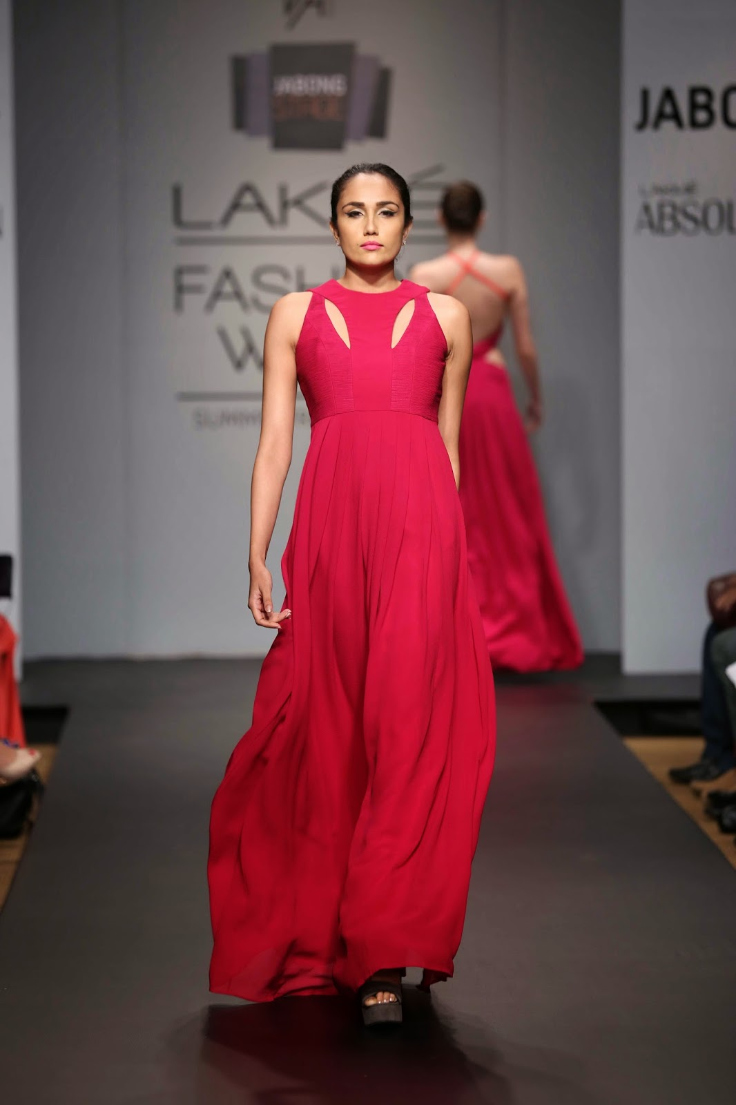 Veda Raheja showcased a refreshing borderline experimental collection christened 'Tri-Faceted' at Jabong Stage during Fashion Week Summer/Resort 2014.