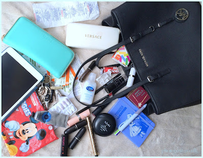 whats-in-my-bag-michael-kors-large