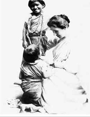 Amy Wilson Carmicheal with children