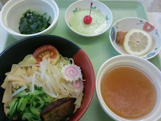 写真:第1クール4日目の昼食