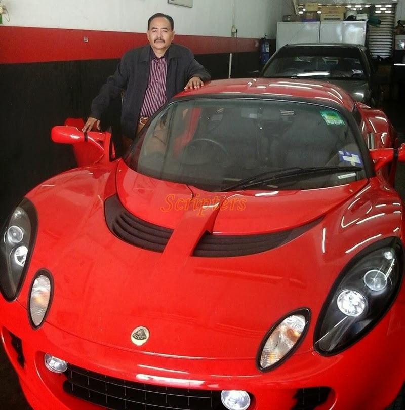 Sultan Melaka Bergaya Dengan Kereta Mewah