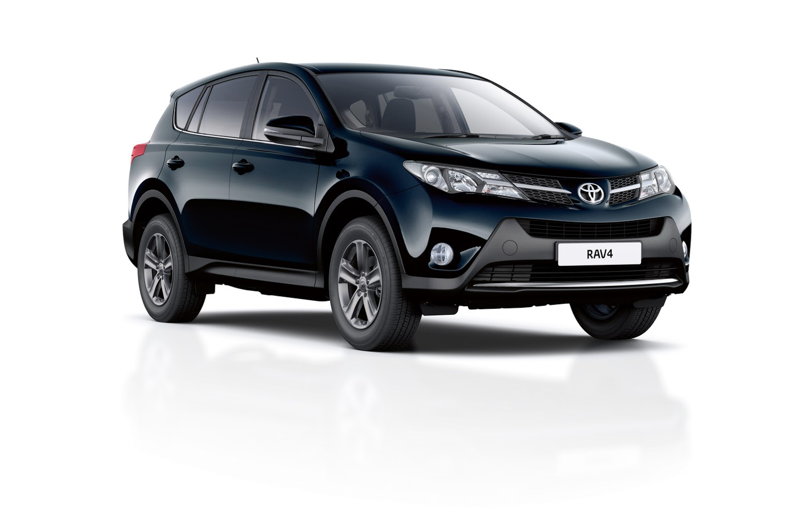 2015 toyota rav4 gets new business edition and equipment upgrades in the uk carscoops. Black Bedroom Furniture Sets. Home Design Ideas