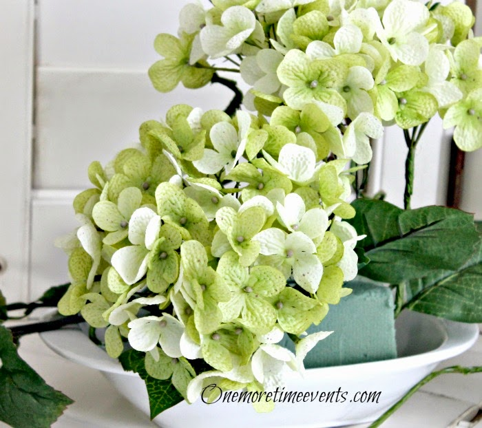 steps to make floral arrangements at One More Time Events.com