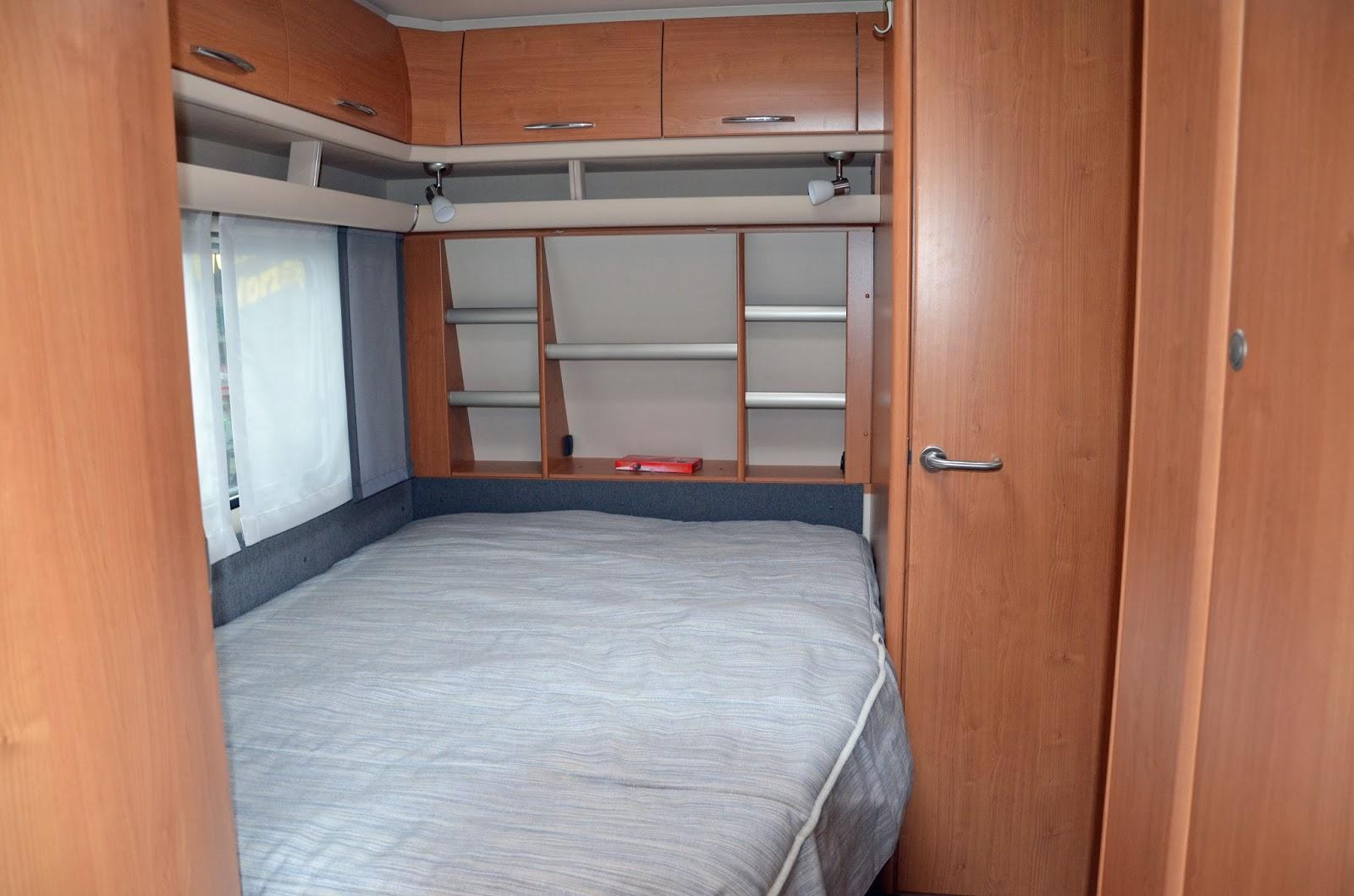 wohnwagen neu gestalten feinarbeit der spiegel am ist von ikea und sieht so viel besser aus als. Black Bedroom Furniture Sets. Home Design Ideas
