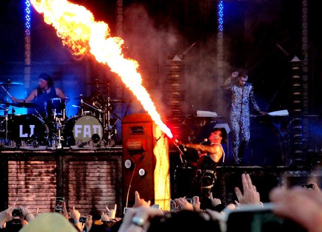 Rammstein, tour  LIFAD, 20 janvier 2011