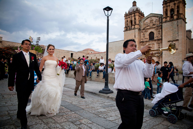 Mexican dating and marriage traditions