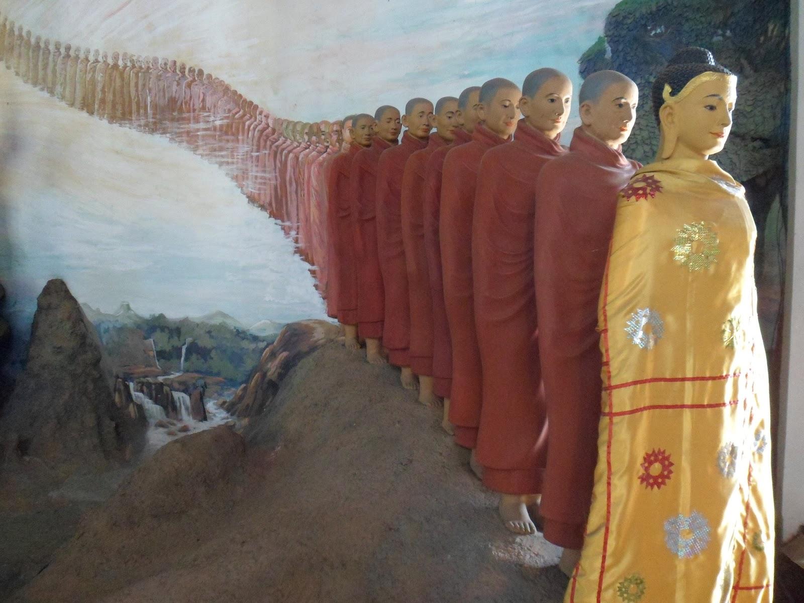 c dric en birmanie rencontre avec les novices au monast re du bouddha assis. Black Bedroom Furniture Sets. Home Design Ideas
