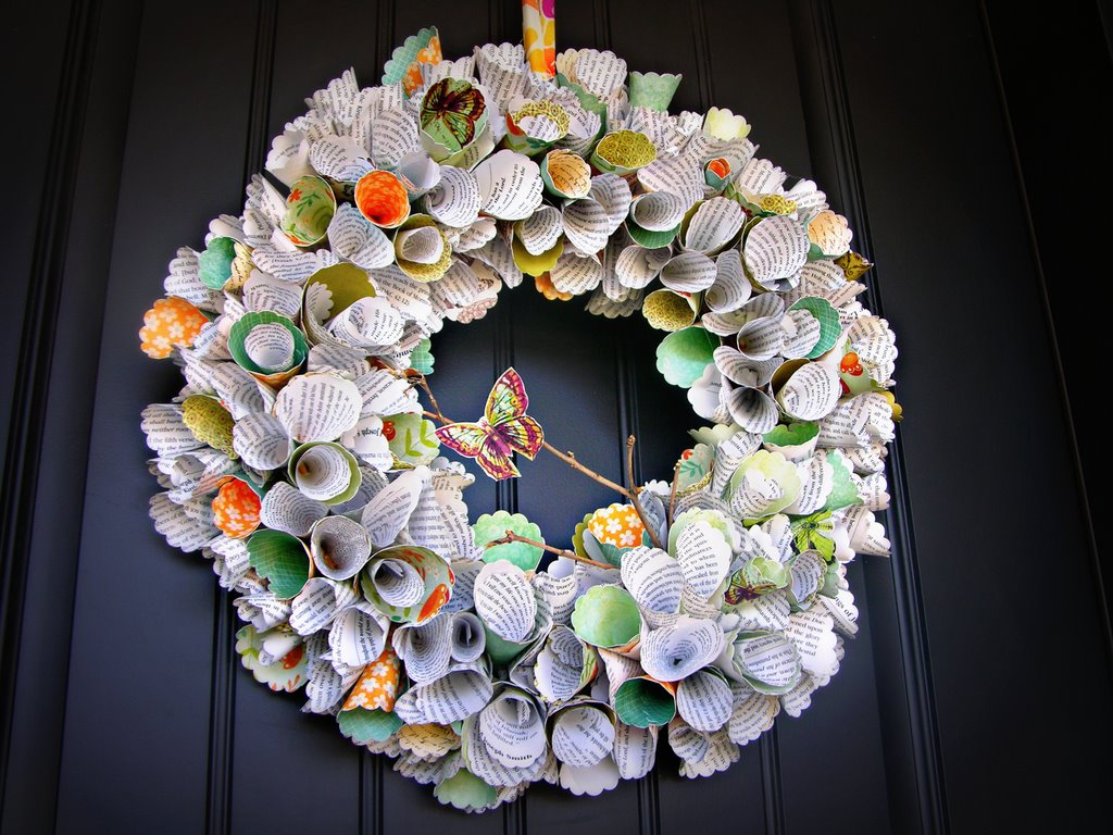 Awesome paper wreath for Handmade home decorations