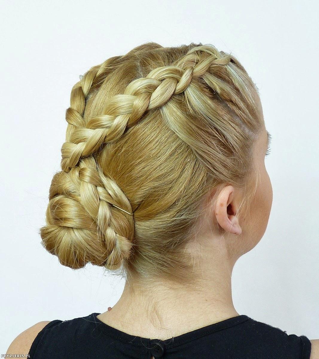 fryzura kok z dwoma warkoczami