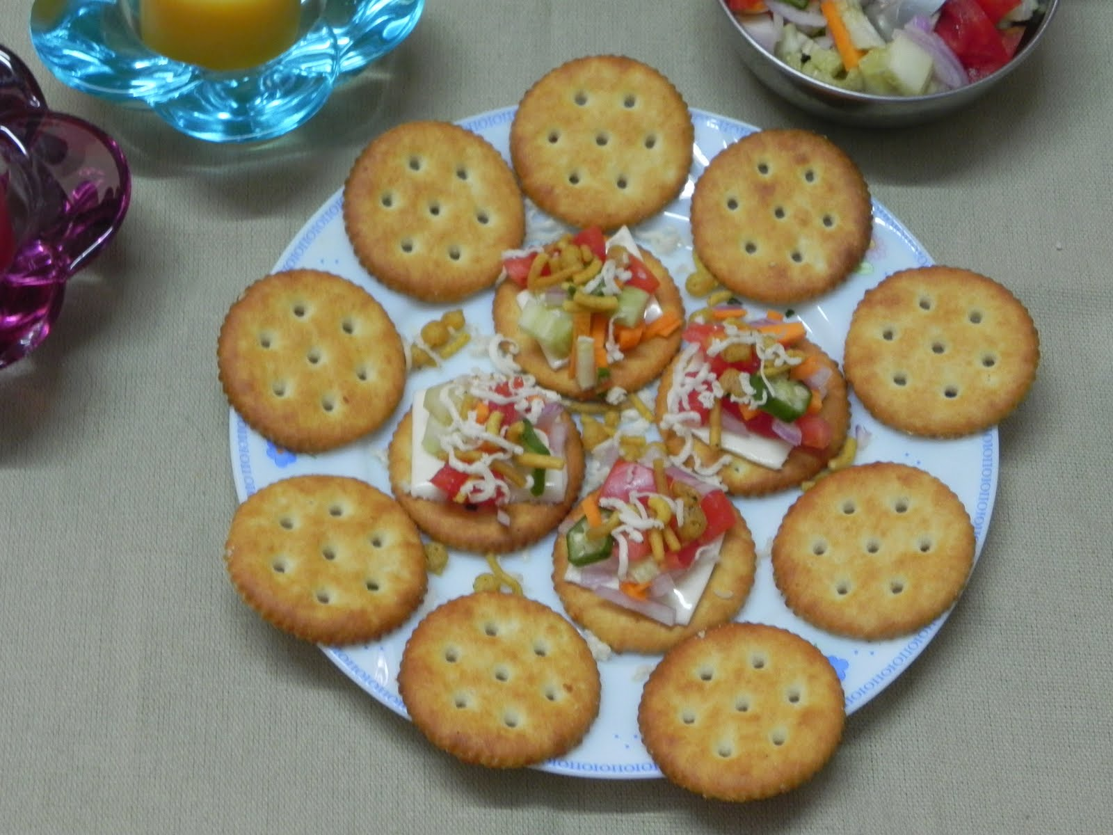 Preethi bhojan easy peasy biscuit canape for Simple canape appetizer