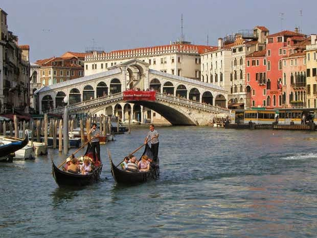 VENICE BOATING_MYCLIPTA