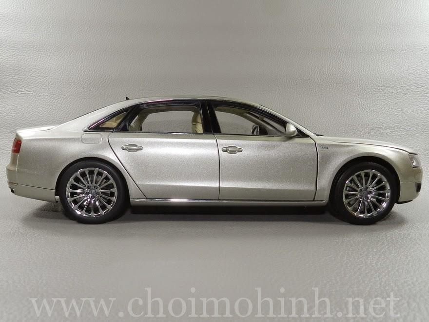 Audi A8 L W12 1:18 Kyosho side